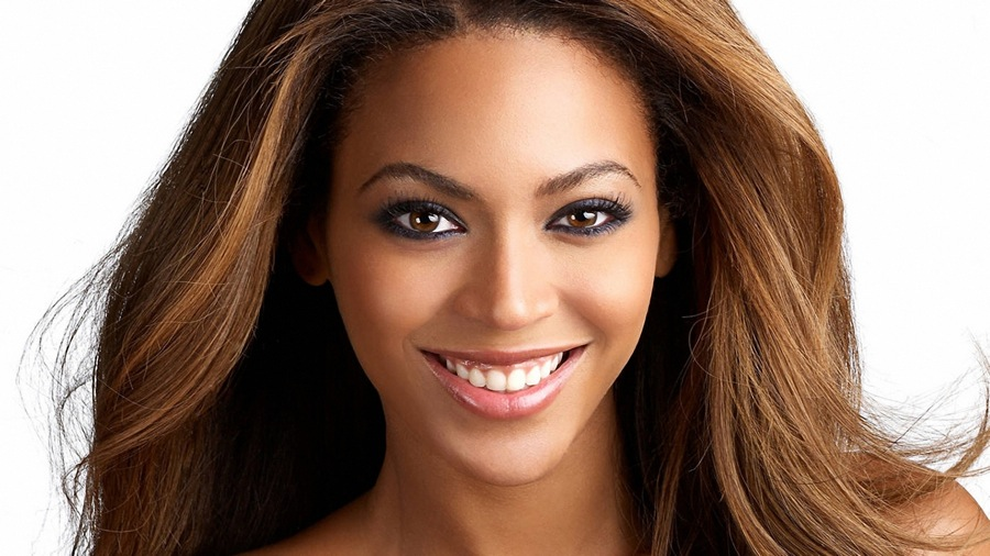 beyonce_smile_face_lips_hair_5905_1920x1080