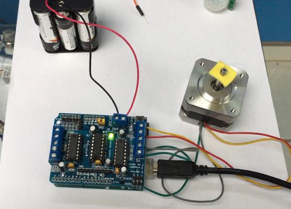 Arduino (oT): Simple Tutorial Stepper L293D Motor Shield Santiapps Marcio Valenzuela